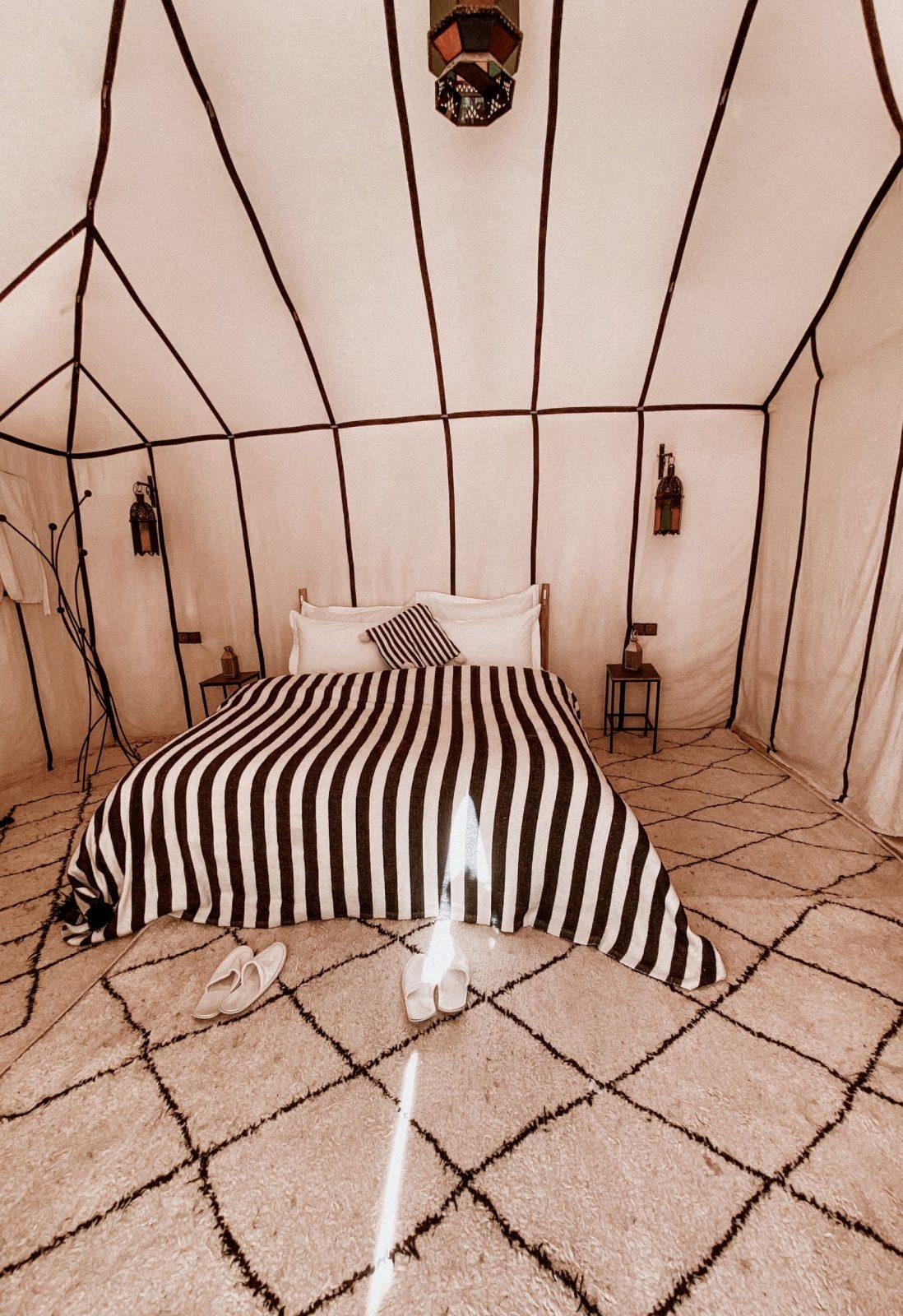 Black and white tent tiziri